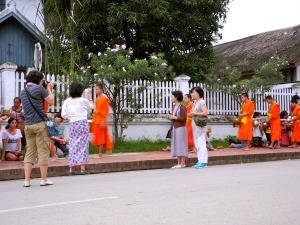 The don'ts of viewing the Alms ceremony in Luang Prabang...