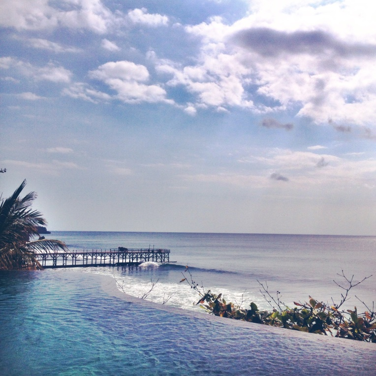Infinity pool lush at Ayana resort & spa, Jimbaran Bay.