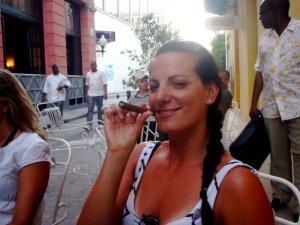 Cuba cigar smoking